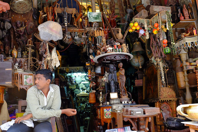 Vintage stuff, Best places to buy souveniers on a budget in India
