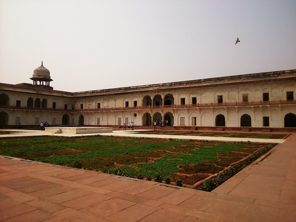 Red Fort, Agra - Great Fort to explore, lovely red Stone and distant views of Taj Mahal