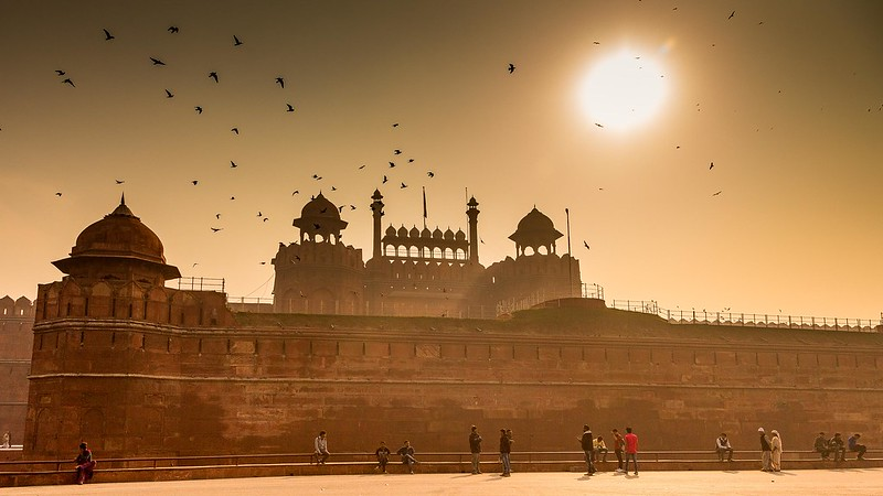 Budget backpacking in India, Backpacker tours across India