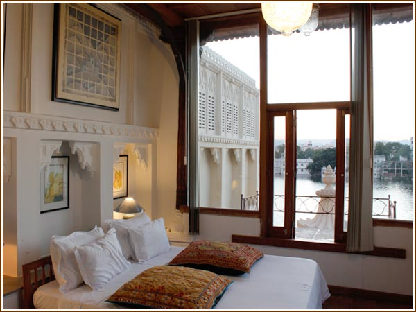 Lake view room in Udaipur, Udaipur stay