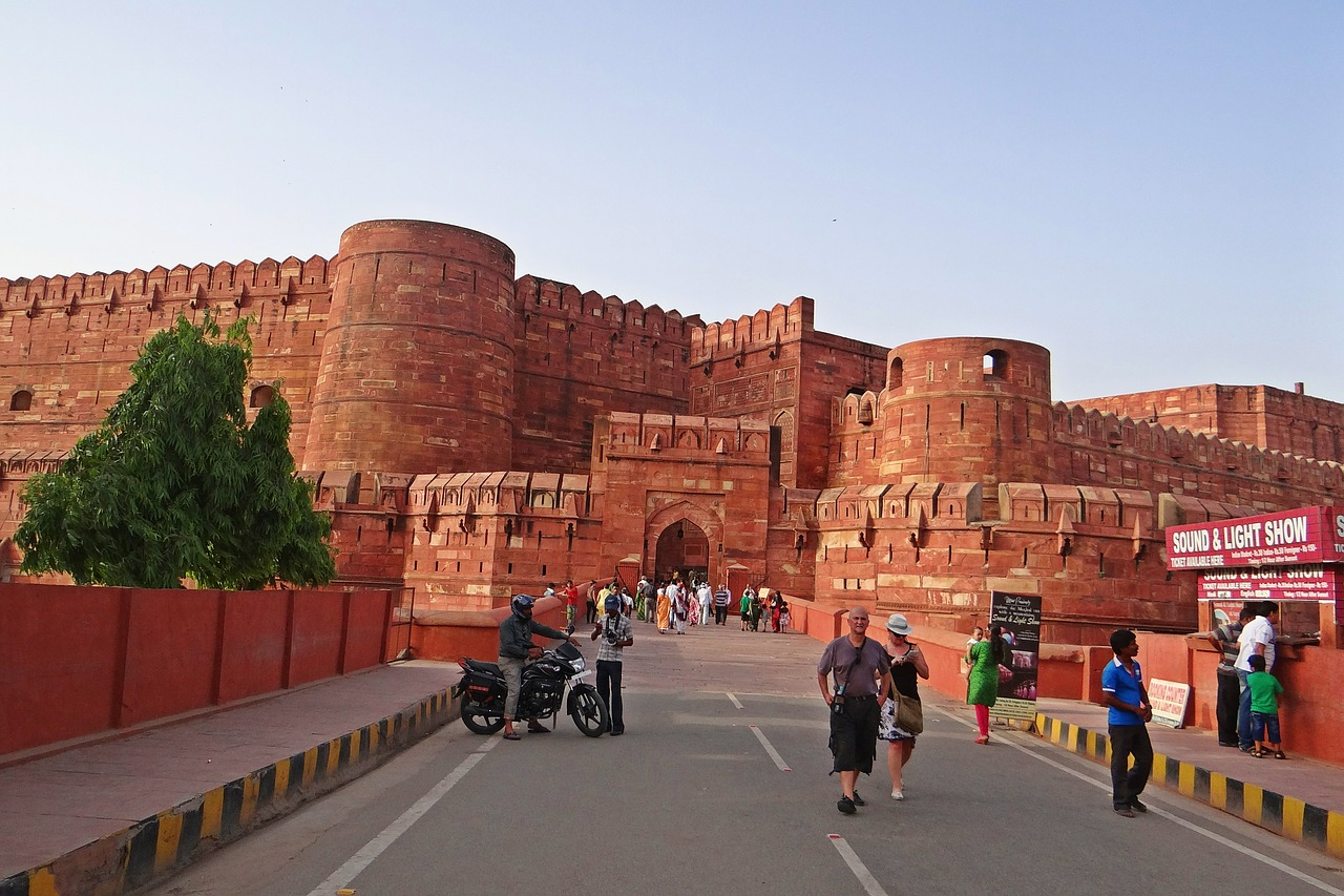 Red fort, why visit Agra