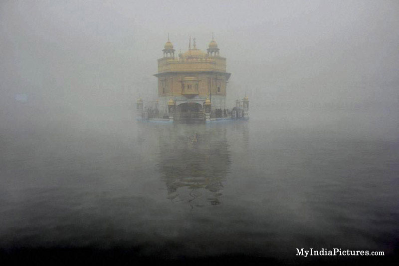golden-temple-harmindershab-amritsar-unseen-cool-winter-photo