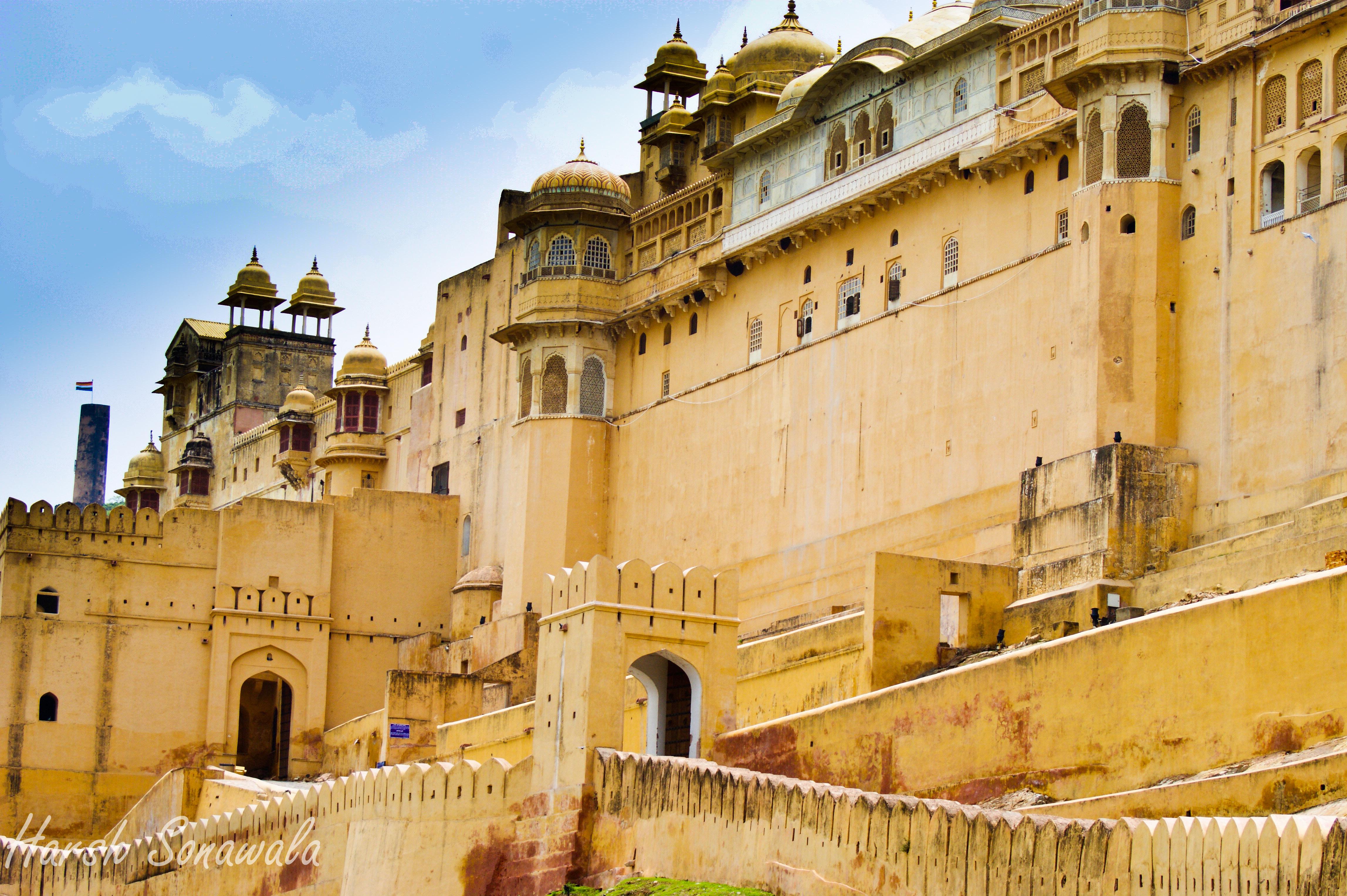 Märchenhaft: Das Amer Fort in Jaipur als Urlaubsziel in Indien