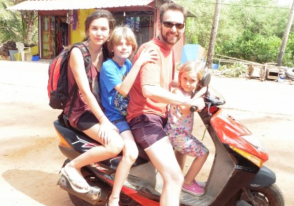 Successful travels in India with children