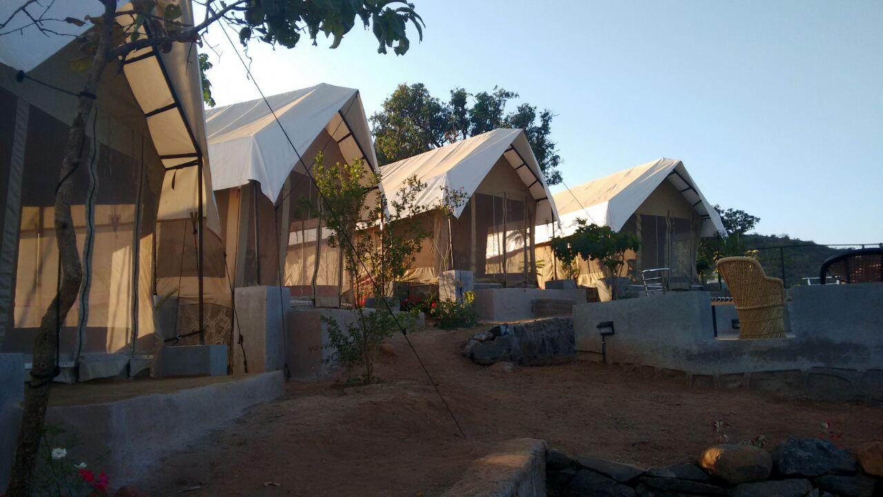 Zeltunterkunft in der Nähe des Festivals: Anjan Hills