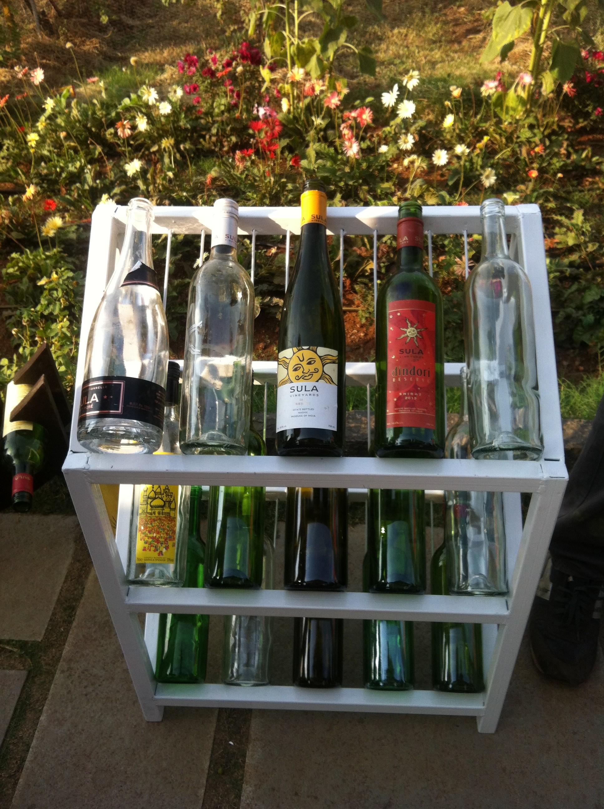 Weinauswahl beim Sula Fest