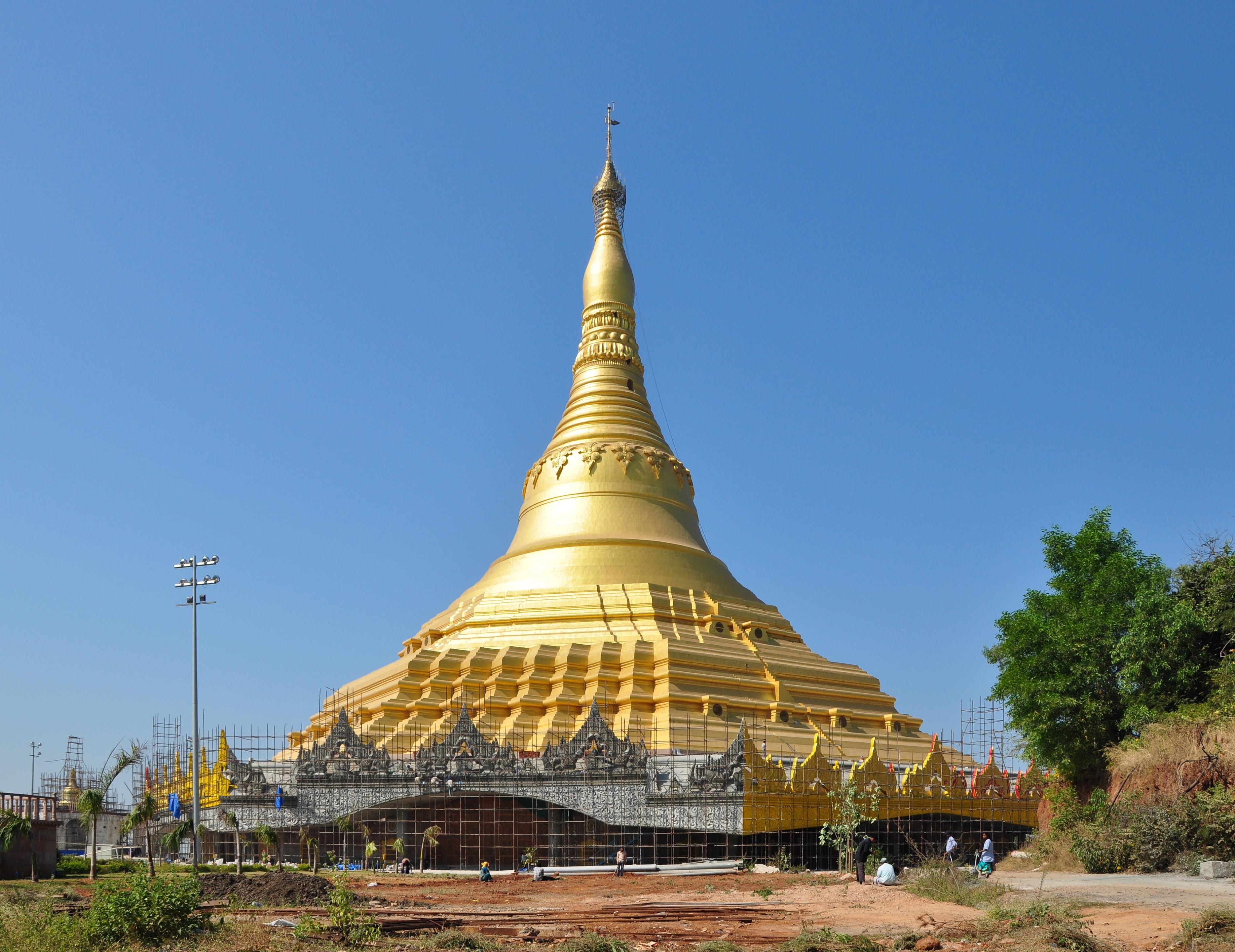 Global_Vipassana_Pagoda_1