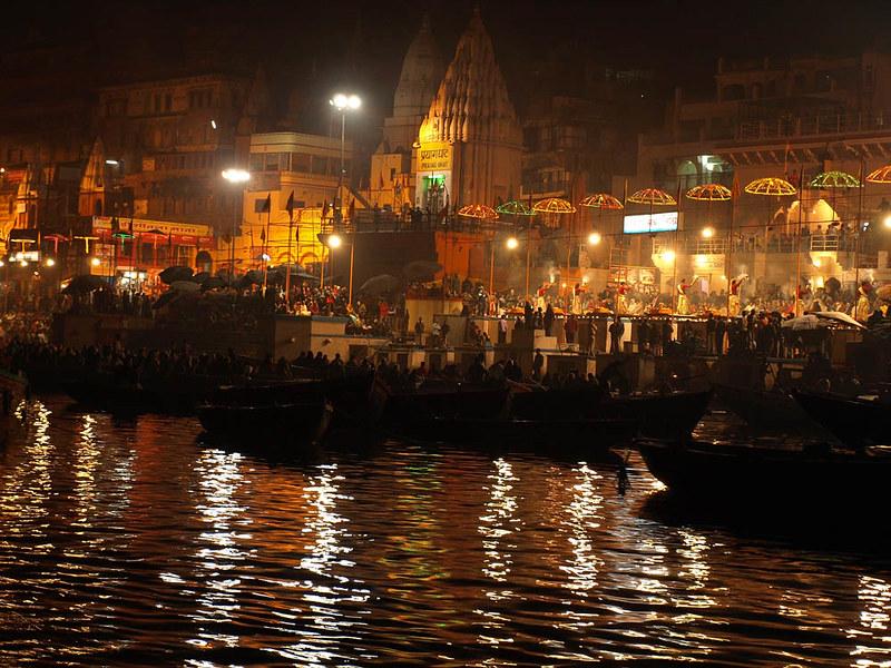 Varanasi ghat, Aarti by the ganga