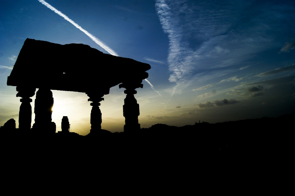 Relaxed on the beaches of Goa; Now explore the ruins of Hampi