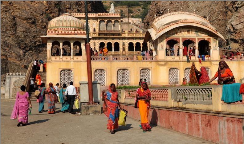 Monkey temple, Unique temples in India