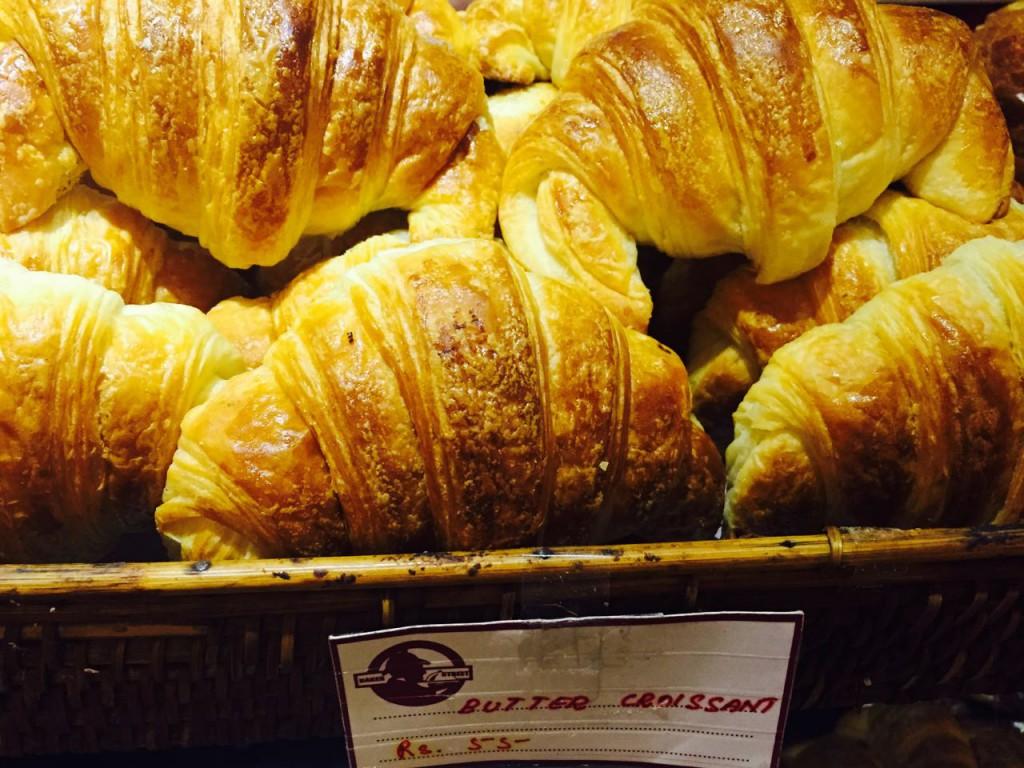 Pondicherry_Croissants, essen in indien