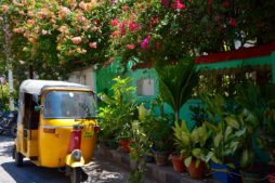 Pondicherry, mit dem Zug in Indien