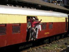 Mumbai indien, local trains
