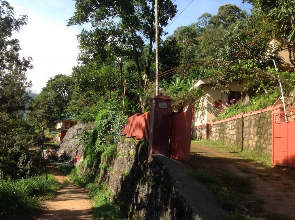 Jade-Munnar_two-houses
