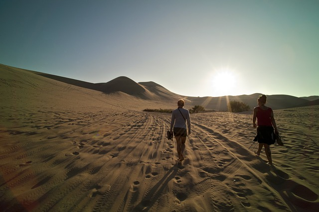walk in desert tips, things solo women travellers should do in India