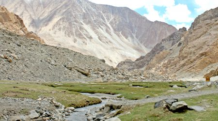 Nubra Valley-Dolina Kwiatów, jedno z piękniejszych miejsc w Leh i Ladakh.