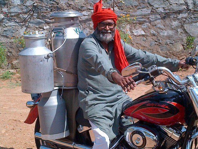 Livreur de lait en Inde