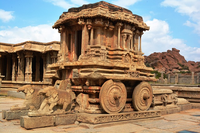 Stone Chariot Hampi, Getting to Hampi, Backpacking in Hampi