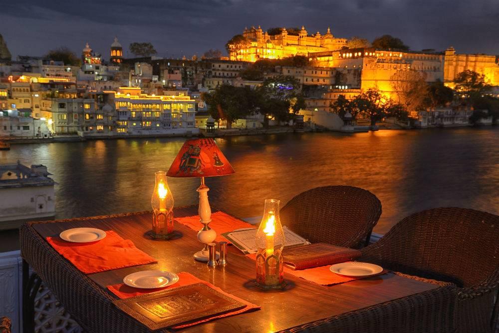 Combien coute un voyage en Inde - Restaurant en Inde