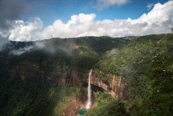 nordostindien, wasserfall, landschaft