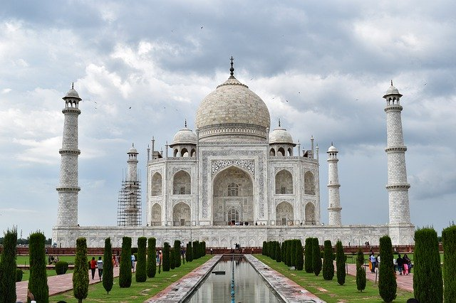Taj Mahal, Seven wonders of the world, planning a backpacking trip to India