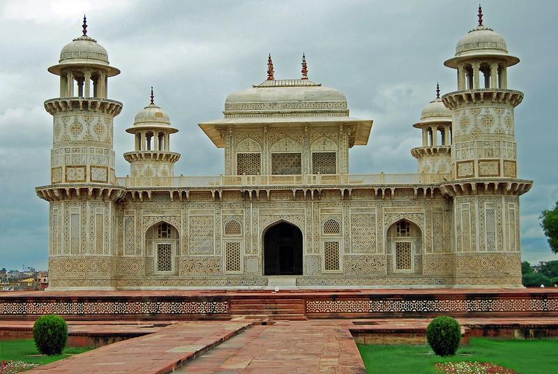Baby Taj, Why visit Agra