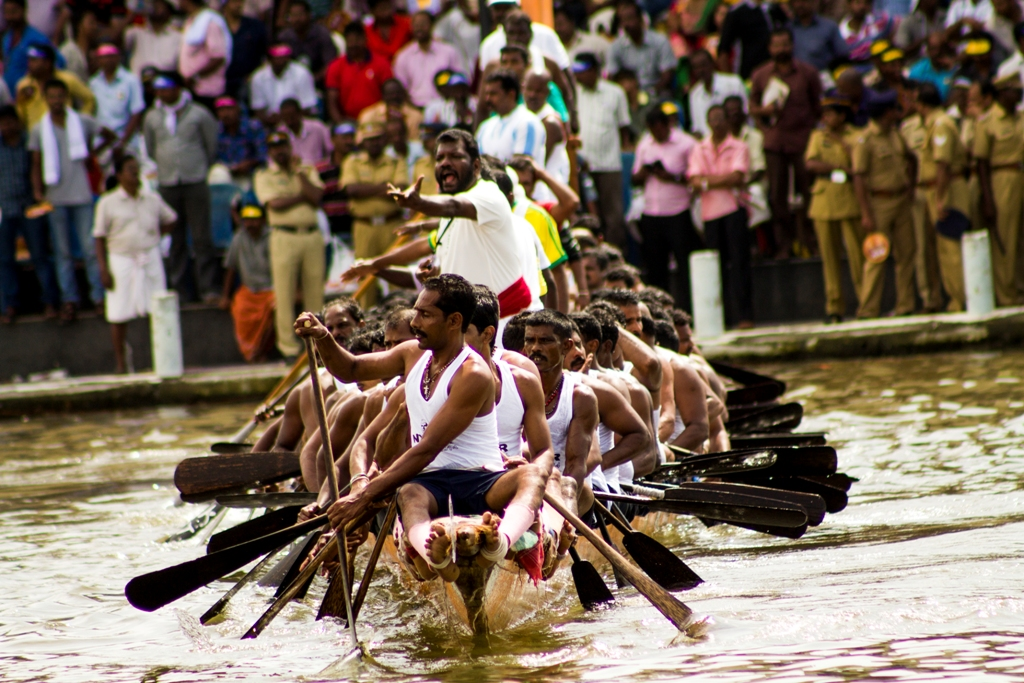 boat-race-Alleppey-travelers-diary-32