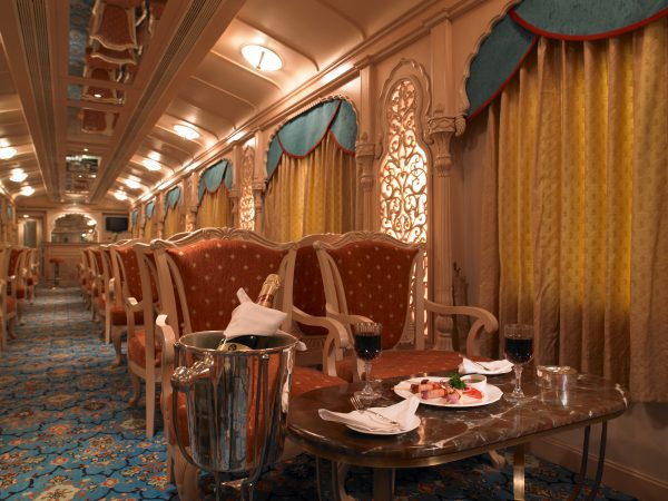 Travelling in Luxury around India, luxury transport in India