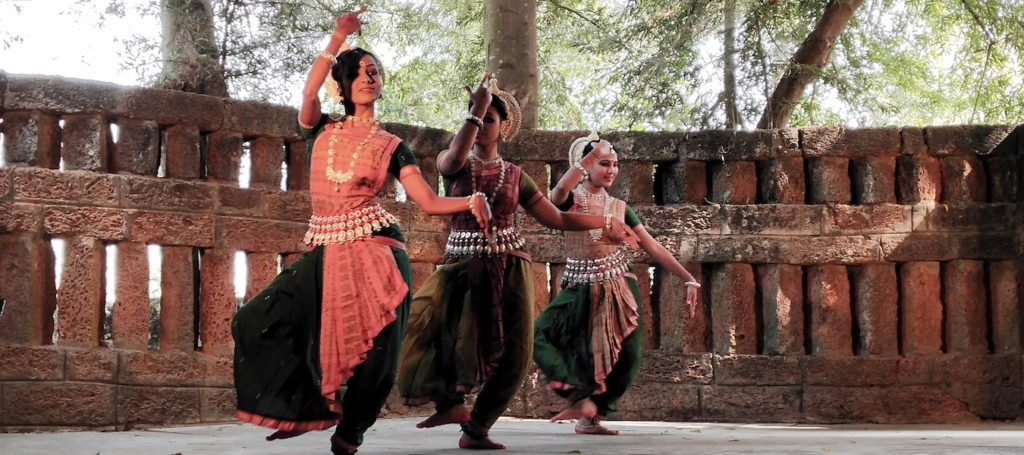 travel to orissa dance