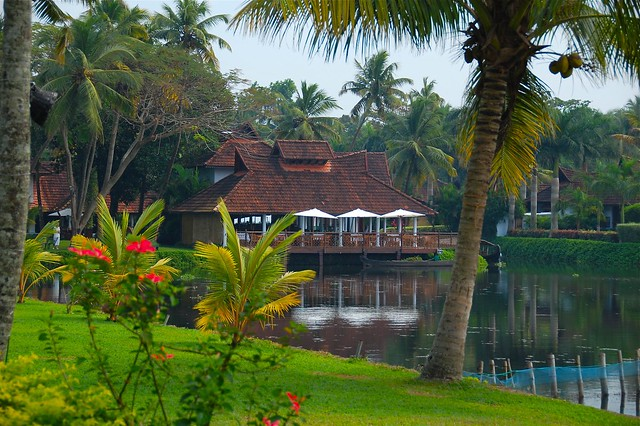 calmness of the backwaters, South Indias top luxurious hotels to stay at