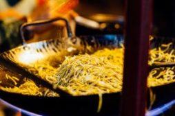 chowmein, indisches Streetfood, Kalkutta