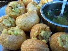 Puchka, Pani Puri, Golguppa, indisches Streetfood, Kalkutta