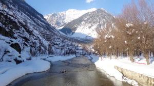 Skiing in Kashmir in January