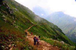 trekking in himachal pradesh, wandern in indien