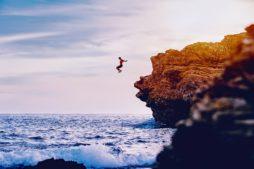 cliff jumping in hampi