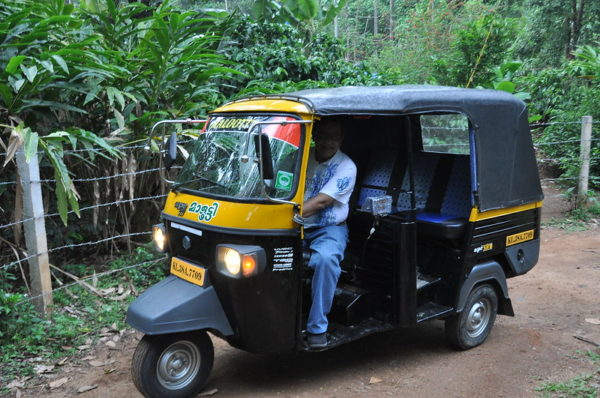 Tuk tuks in India, Travel budget in India, Is India cheap