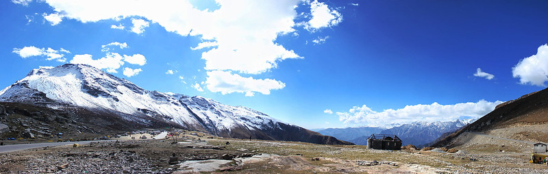 Rohtang pass Manali, Snow capped mountains India