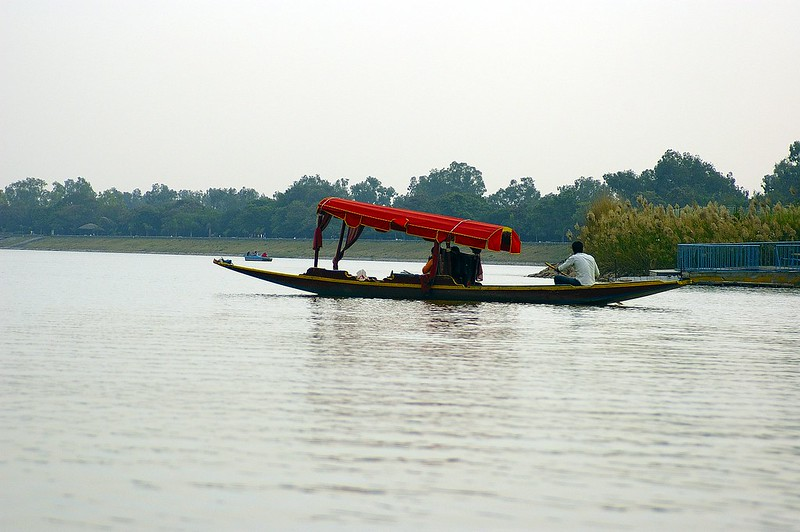 Things to see in Chandigarh, Lakes in India