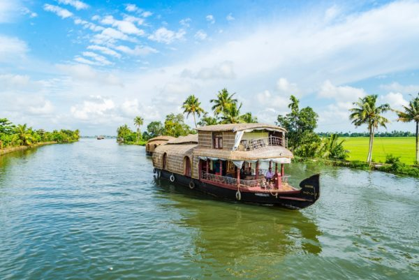 houseboat in the backwaters of Kerala, Suggested travel routes in south India