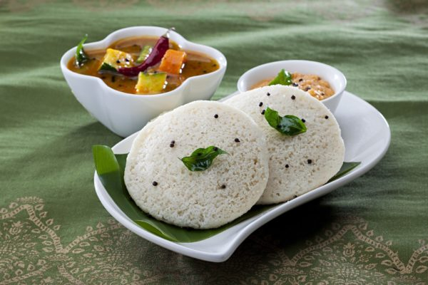 Steamed Rice cakes in India, Idily, Things to eat in South India