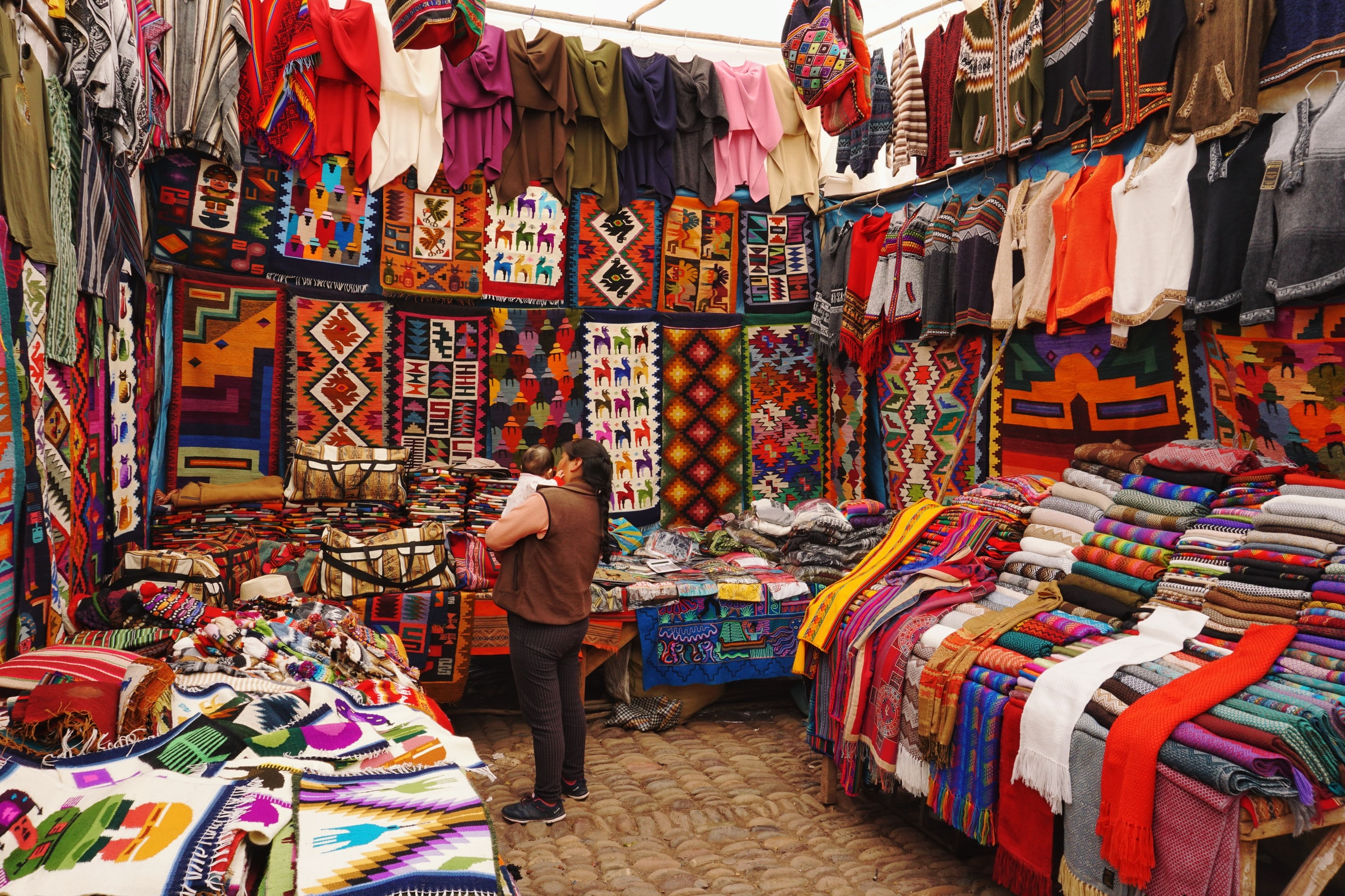 places to bargain in Manali