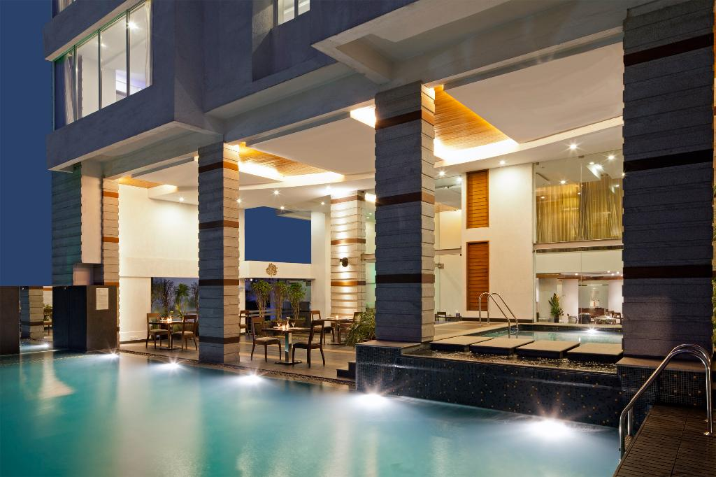 luxury stay in Bangalore